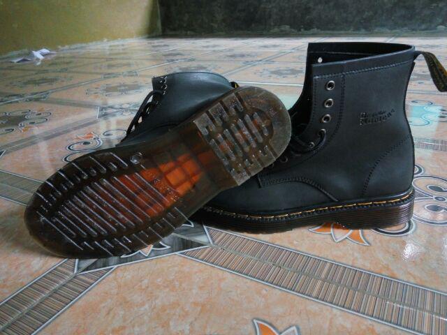 Kualitas produk baik tapi saya kecewa karna no sepatu tidak sesuai pesanan no .