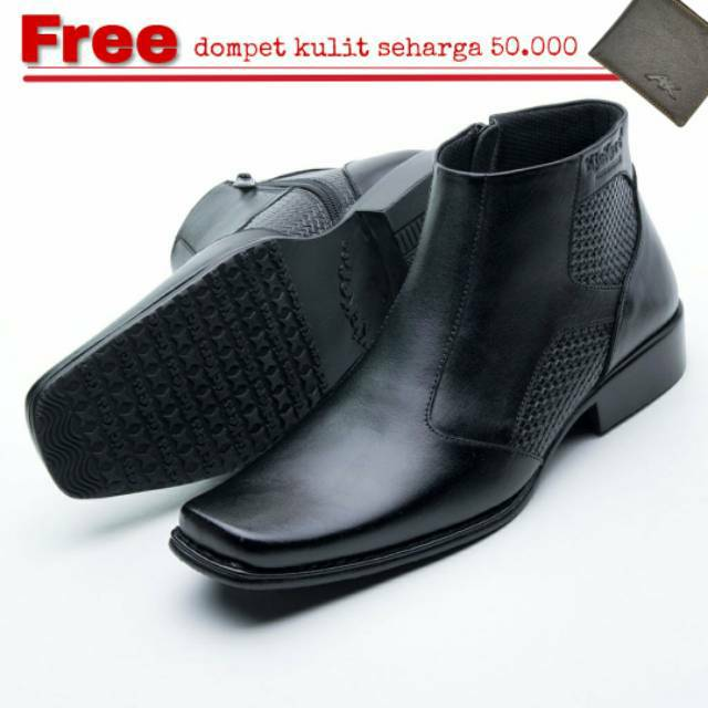 Sepatu Boots Pria Low Boot 3 Hole Kulit Asli Like Dr Martens 1060 ... f2b6090f53