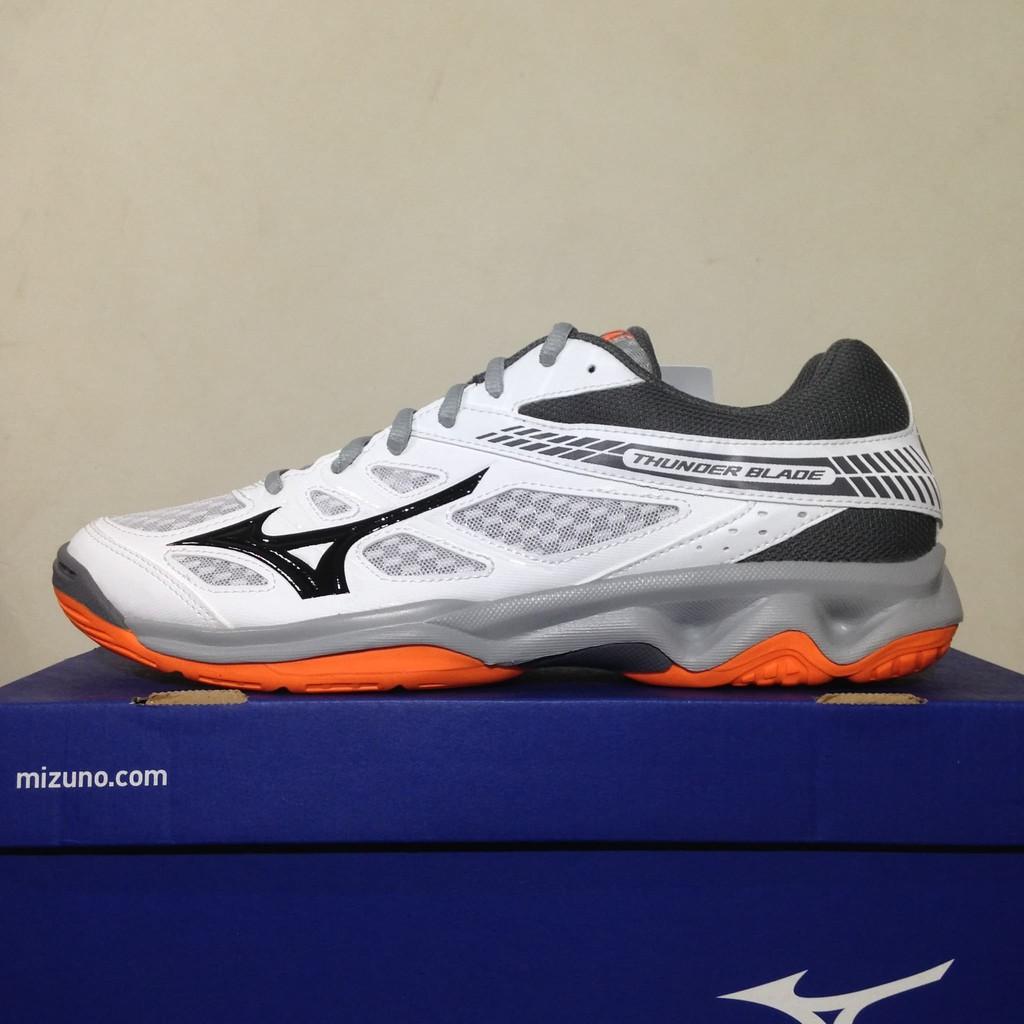 Sepatu Volly Voli Mizuno Original Thunder Blade V1Ga177054 Putih Hitam  Steel Gray  6afe2bbeb0