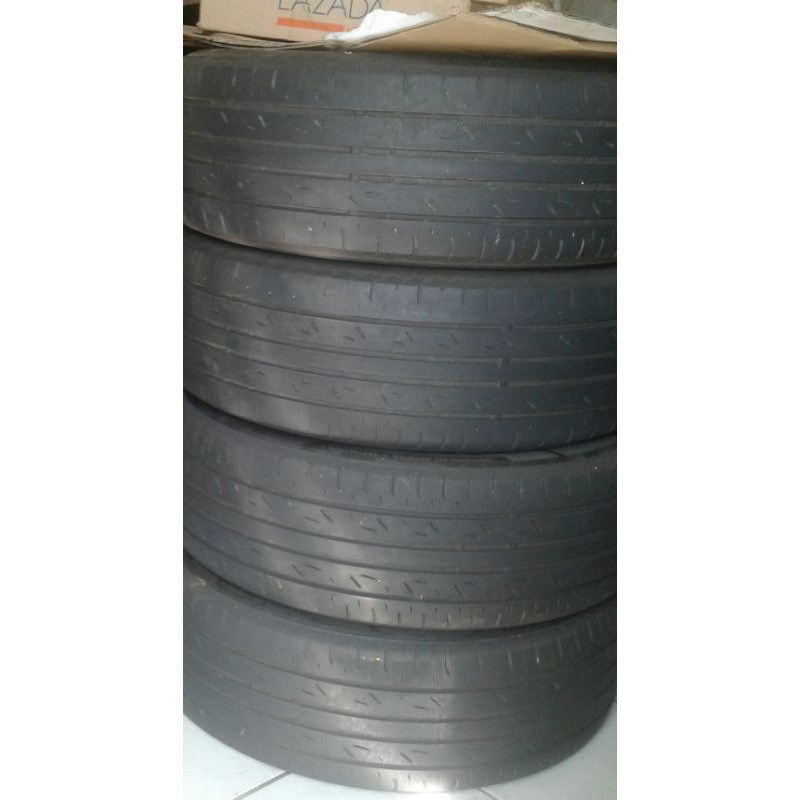 Bridgestone Turanza AR20 - 215 60 R16 ex Camry