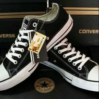 Sepatu converse all star hitam putih  d42a6cd66f