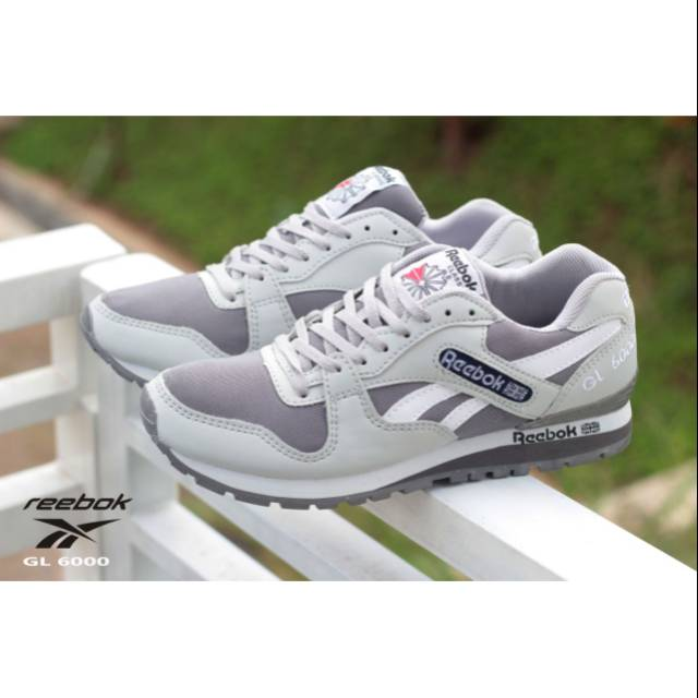 Sepatu Cowok Reebok running. Sepatu Pria Reebok. Sepatu senam. Sepatu joging.  kets wanita  b5892a7639