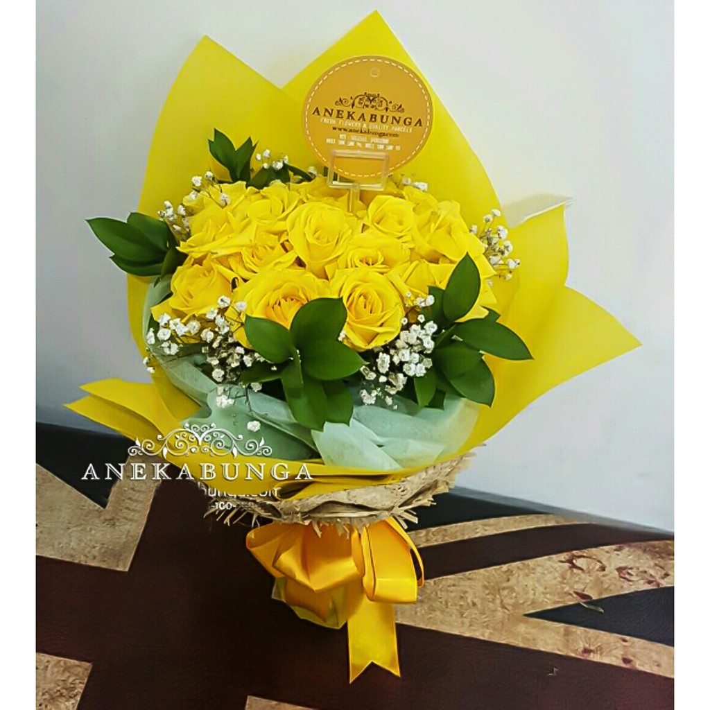 Buket Bunga Mawar Kuning Asli Fresh Yellow Rose Hand Bouquet Flower Bucket Get Well Soon Mothers Day Shopee Indonesia