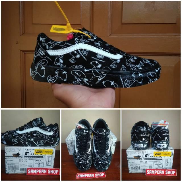 Promo Sepatu Vans Off The Wall Starwars Sneakers Pria Thrasher Kets ... fb752eac28