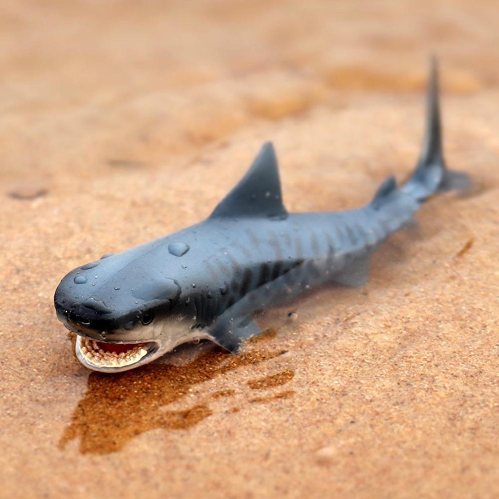 Lifelike Shark Shaped Toy Realistic Motion Simulation Animal Model for Kids Gift