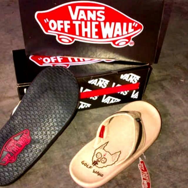 49d4927e29c5 Sandal vans original. Sandal cowok vans. Sandal distro terbaru. Sandal pria.