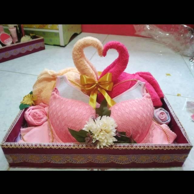 Paket Seserahan Pernikahan Hantaran Mahar Mewah Parsel Handuk Dan Pakaian Dalam Bentuk Angsa