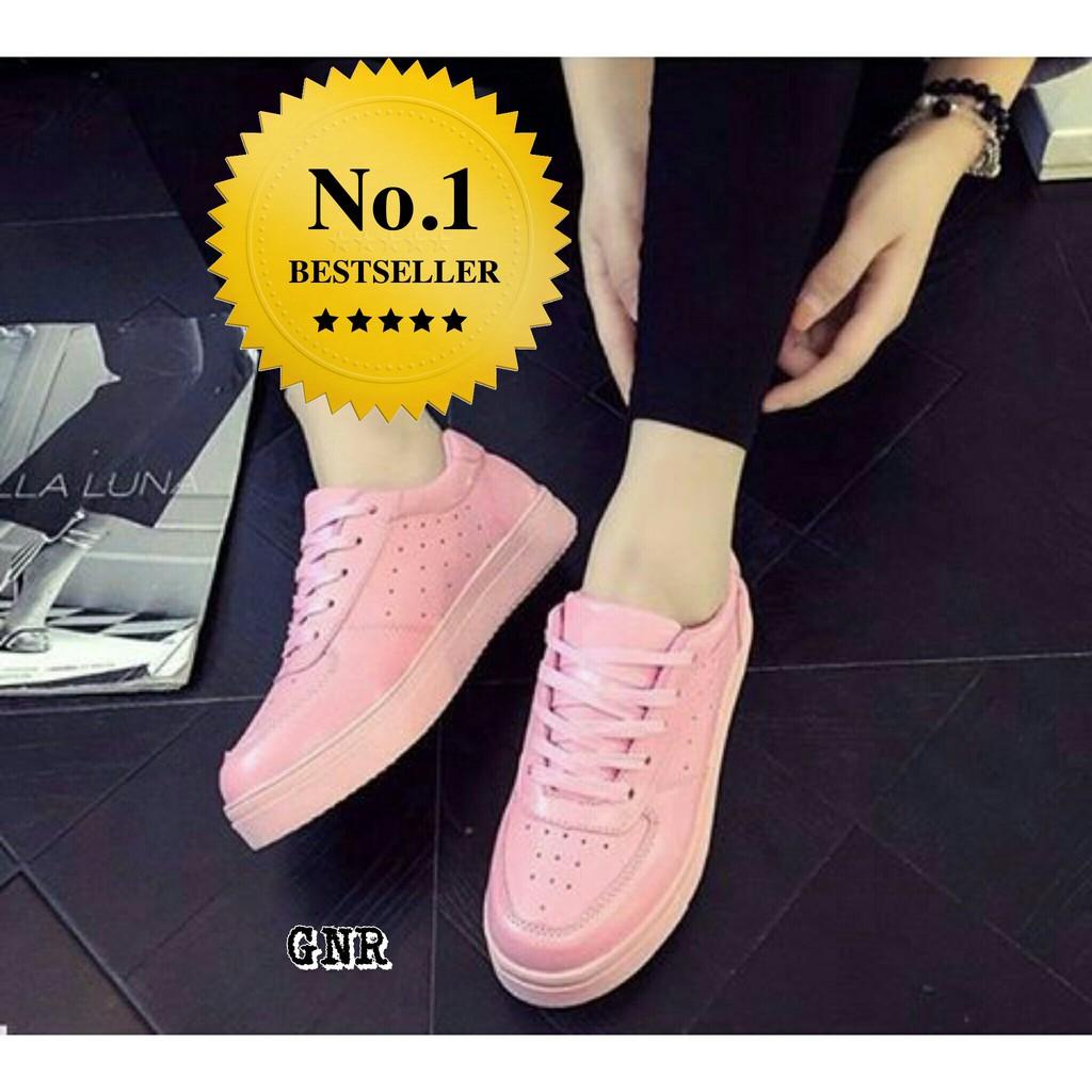 Sepatu Kets Replika Nike Pink Salem  cb7fb9cf91
