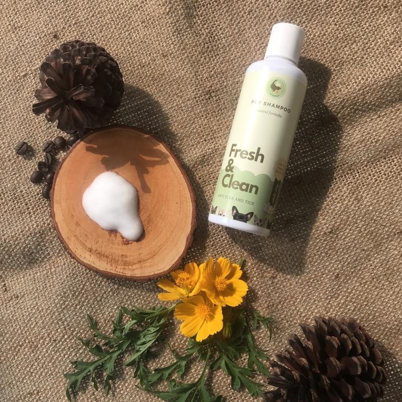 Shampo kucing anjing | shampo anti gatal dan kutu | cat and dog shampoo | natural pet shampoo 250ml-White lily