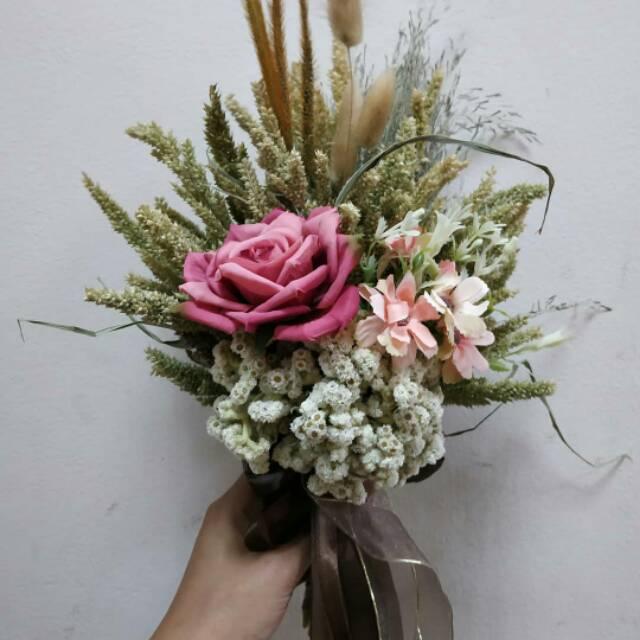 Hand Bouquet Wedding Rustic Flower Buket Bunga Kering Bunga Mawar Edelweis Buket Bunga Wisuda Shopee Indonesia