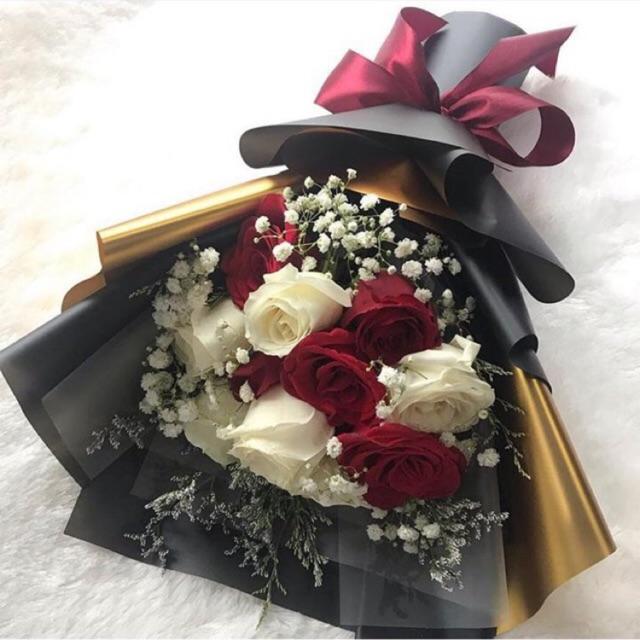 Rose Bouquet 10 Bunga Graduation Bunga Wisuda Fresh Flower Buket Bunga Mawar Shopee Indonesia