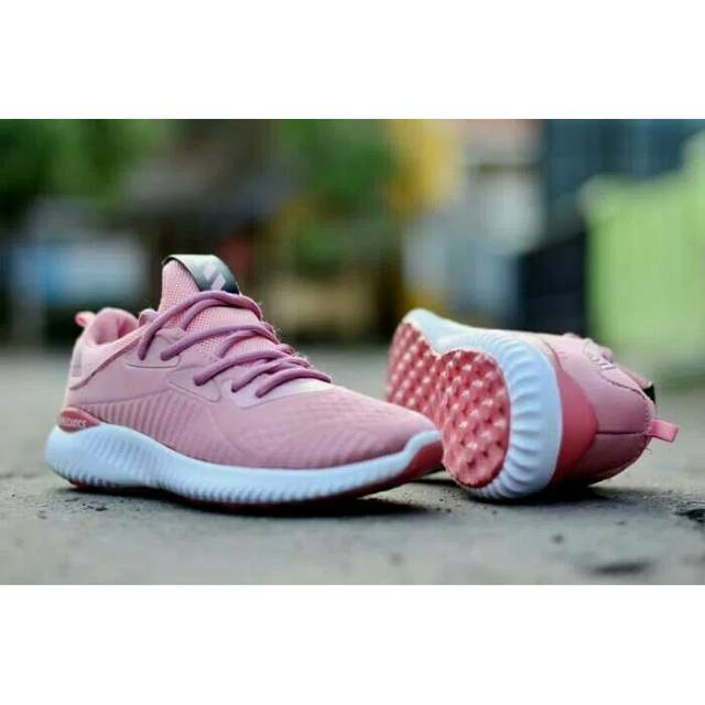 Terbaru!! Termurah SEPATU OLAHRAGA WANITA NIKE Huarache Women Grade Ori  Vietnam Nike AirMax Murah  53b56da0f0