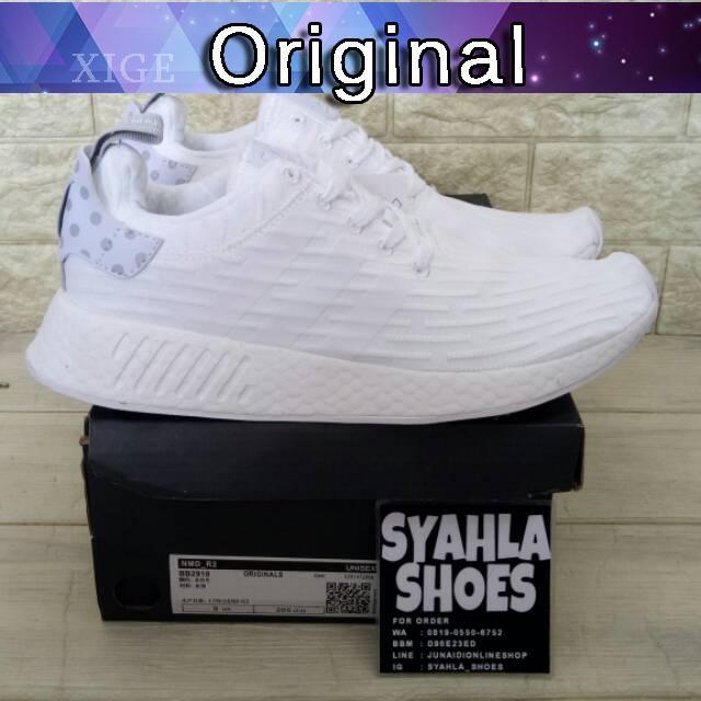 c0c7d87dfdfe2 Sepatu Sneakers Casual Pria Model Adidas NMD R2 Primeknit Warna Putih Core  Hitam Merah