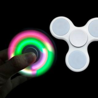 Fidget Spinner LED Hand Toys Mainan Tri-Spinner EDC Ceramic Ball Focus Games Lampu Led - putih