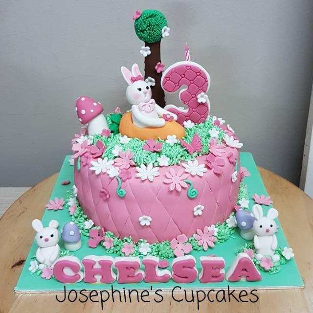 Kue Ulang Tahun Kelinci Untuk Anak Perempuan