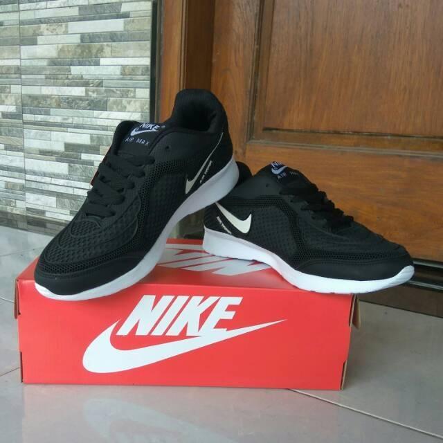 Sepatu Nike Airmax Hitam Putih Sekolah Kuliah Murah Running Jogging Sneakers  Casual  b7aca5485d