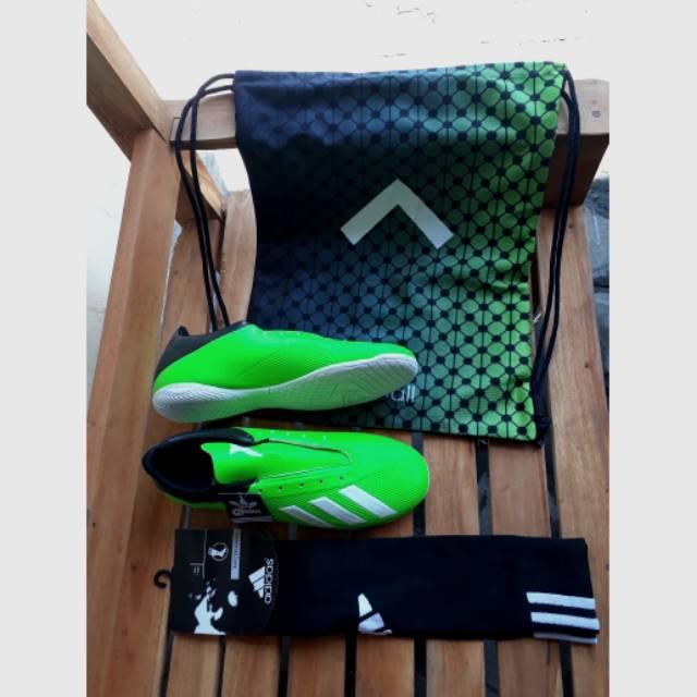 kaos kaki adidas kw