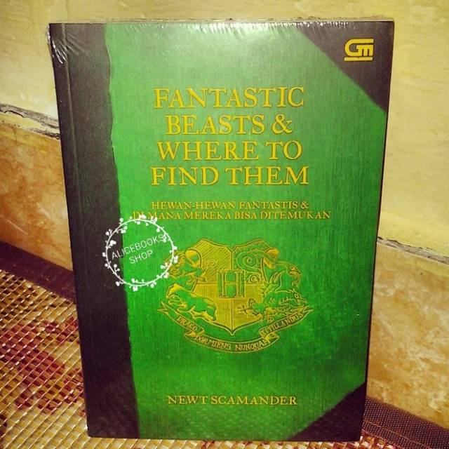 Harry Potter Fantastic Beasts And Where To Find Them. J.K. Rowling. Buku Novel Import