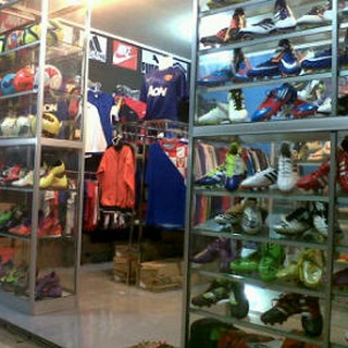 Toko Online Grosir Sepatu Futsal Bola Shopee Indonesia