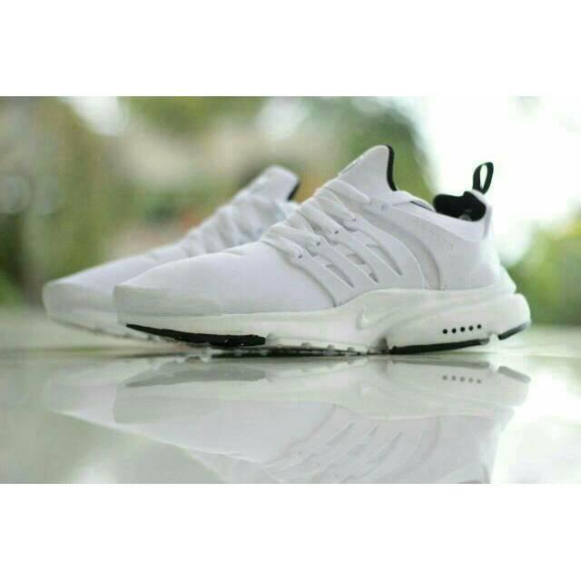 Sepatu Running Nike JoggingPria Sneakers Casual Kets Olahraga Lari Santai  Jogging Kuliah Cowok Murah  328227a427