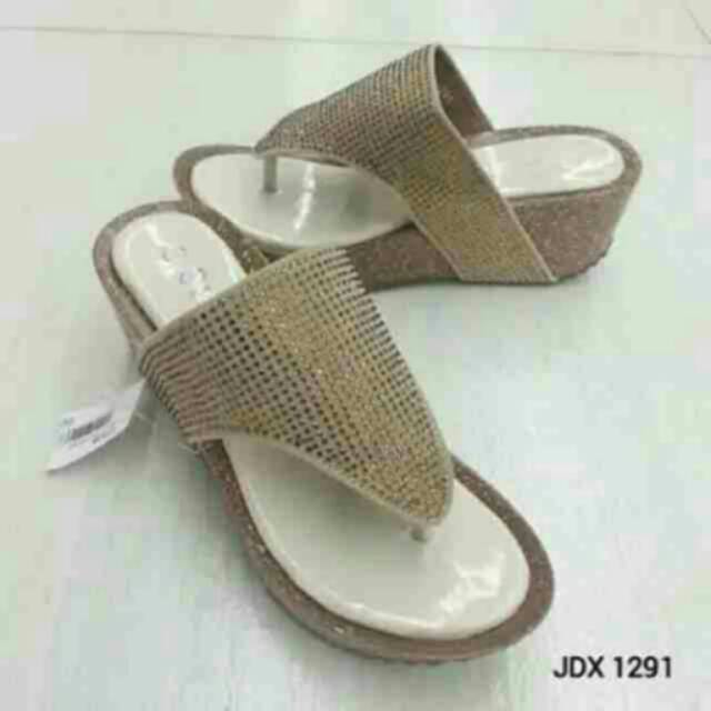 Sandal wanita  Sandal fashion wanita calbi JDX 1391  sepatu sandal sandal  wedges   sandal hills  68181a782e