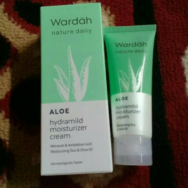 Wardah Nature Daily Aloe Hydramild Moisturizer Cream 40ml | Shopee Indonesia