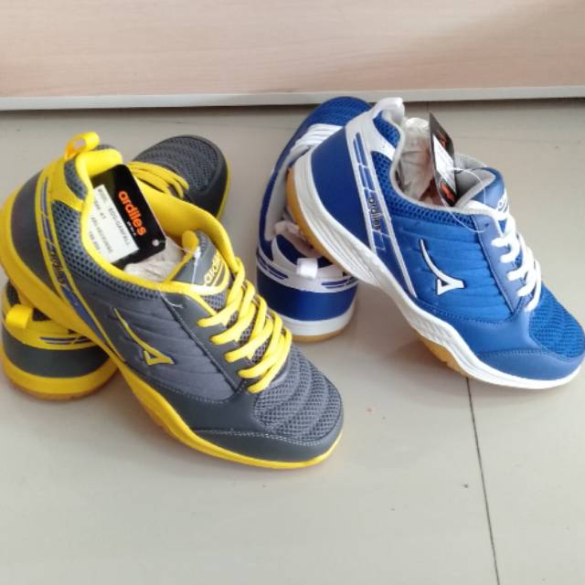 Sepatu Bulutangkis Voli Badminton Volley Ardiles Spandam  df6a3dfe3a