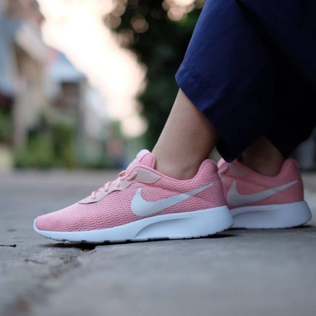 Nike tanjun pink white women premium