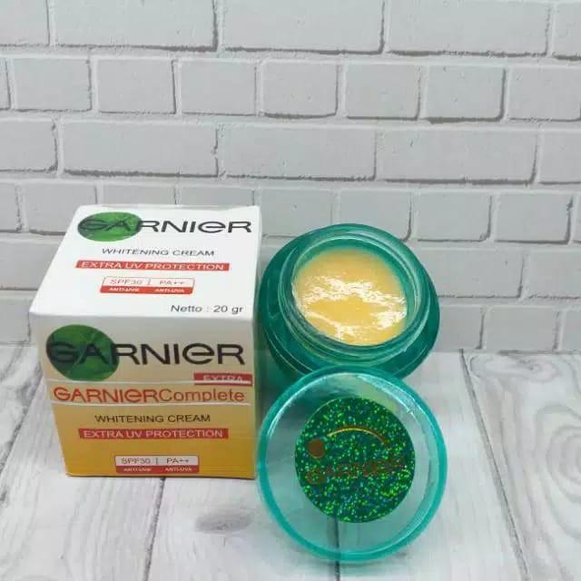 Garnier Complete Krim Pemutih Original Siang Dan Malam