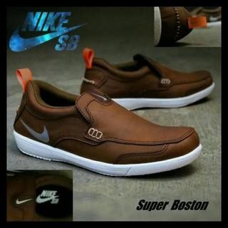 Sepatu Pria Formal Casual Santai Nike Boston Slop Olahraga Sneakers Promo  terbatas 0a0fb59b15