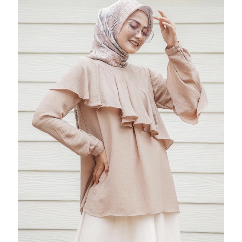 Claire Blouse by wearing klamby cream Size xs ( Jastip ) xs