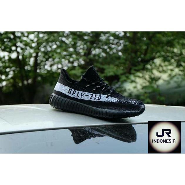 adidas yeezy 350v2 Sepatu sneakers pria putih sepatu wanita sepatu lari  bernapas  b240d37434