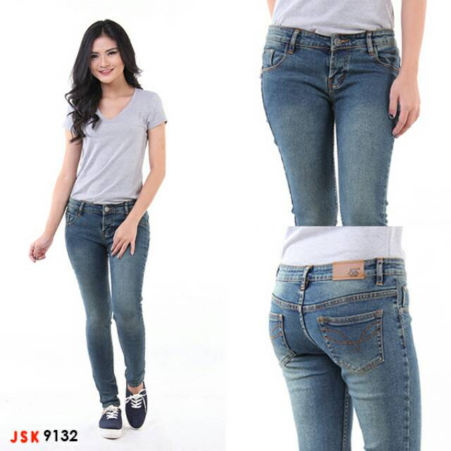 Celana Panjang Kancing Levis Jeans Bordir Import Wanita Grosir Baju Murah  Pakaian Import  b03b9498dd