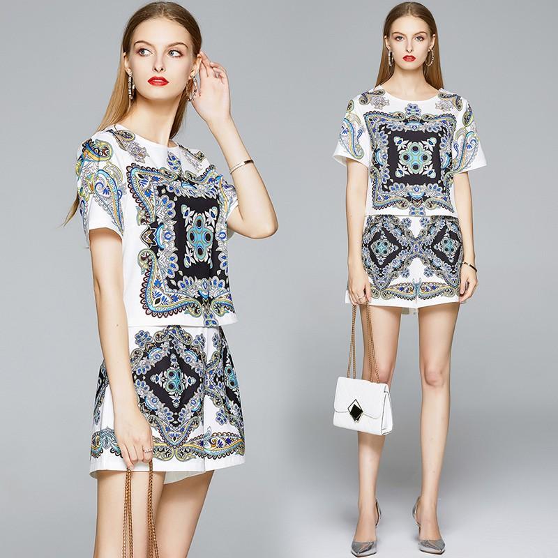 ladies floral shorts
