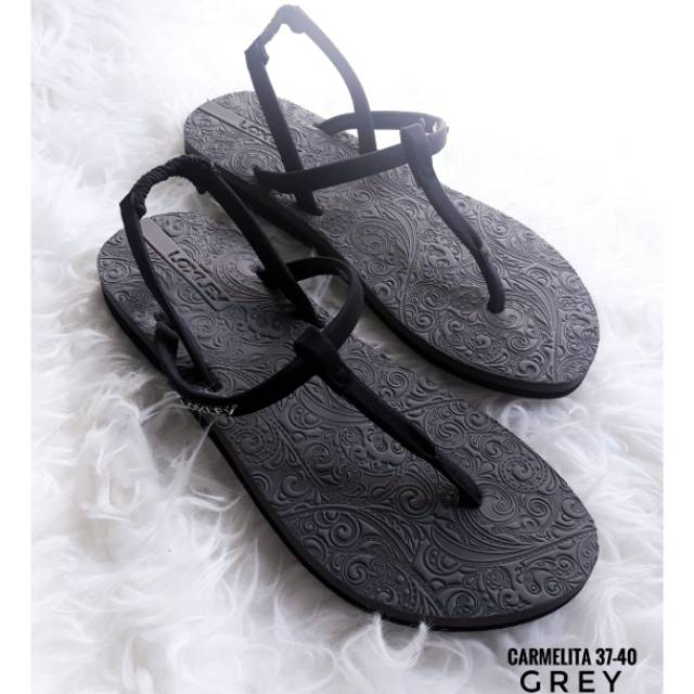 Sandal loxley