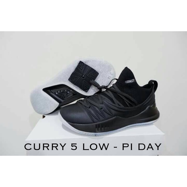 """Sepatu Basket Under Armour Curry 5 low - Black White """"i can do all things""""   32d0f13acc"""