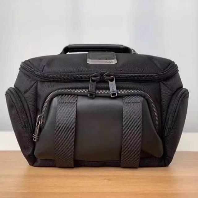 tas pinggang / waistbag / sling bag TUMI Alpha Bravo - Black