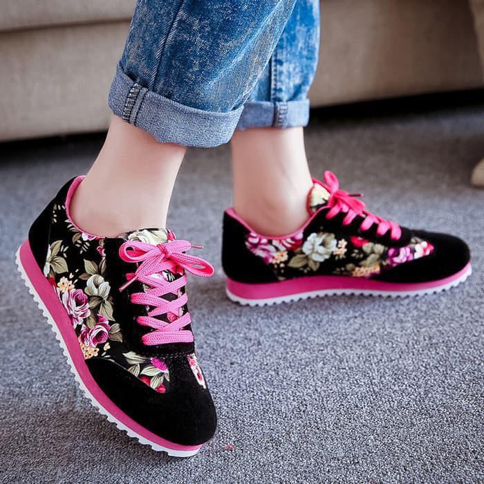 BIG SALE Sepatu Kets Wanita Casual Motif Bunga SDS101  f33dad42fb