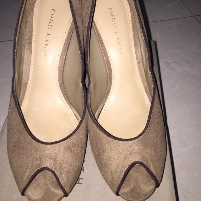 Sepatu Charles   Keith preloved  18138e35f3