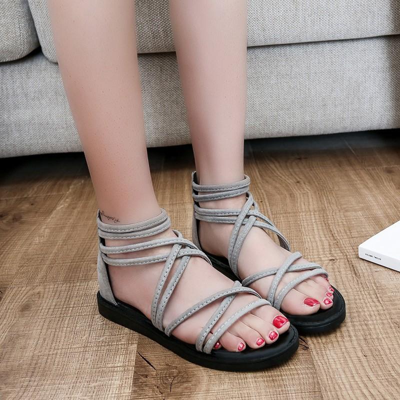 Sepatu Sandal Wanita Model Roma Versi Korea Rivet untuk Pantai | Shopee Indonesia