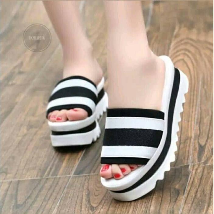 Trend Sepatu Wanita Terbaru 2020 Qibul Fashion