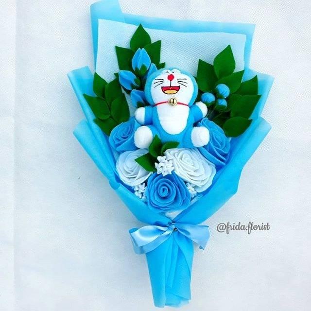 Buket Doraemon Buket Flanel Doraemon Doraemon Bucket Doraemon Bunga Flanel Buket Hello Kitty Shopee Indonesia