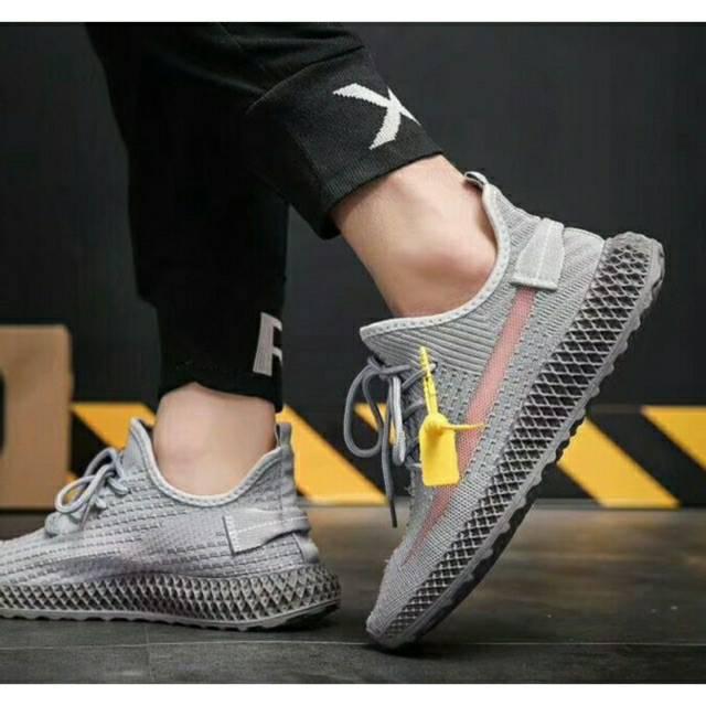 Sepatu sport fashion for men mirip adidas yeezy 250 / import / sepatu  sneakers pria / yezzy