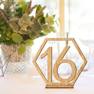 nomor meja makan cafe dekorasi kafe minimal order 10