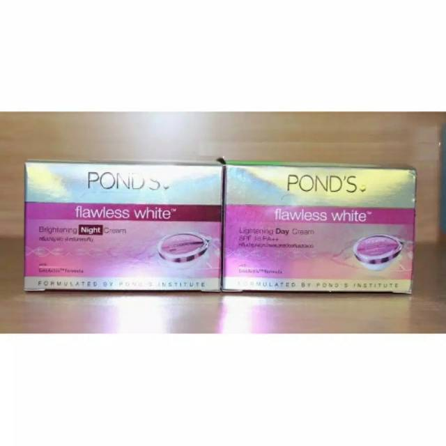 SET POND'S FLAWLESS WHITE DAY 10g + NIGHT 10g Cream ...