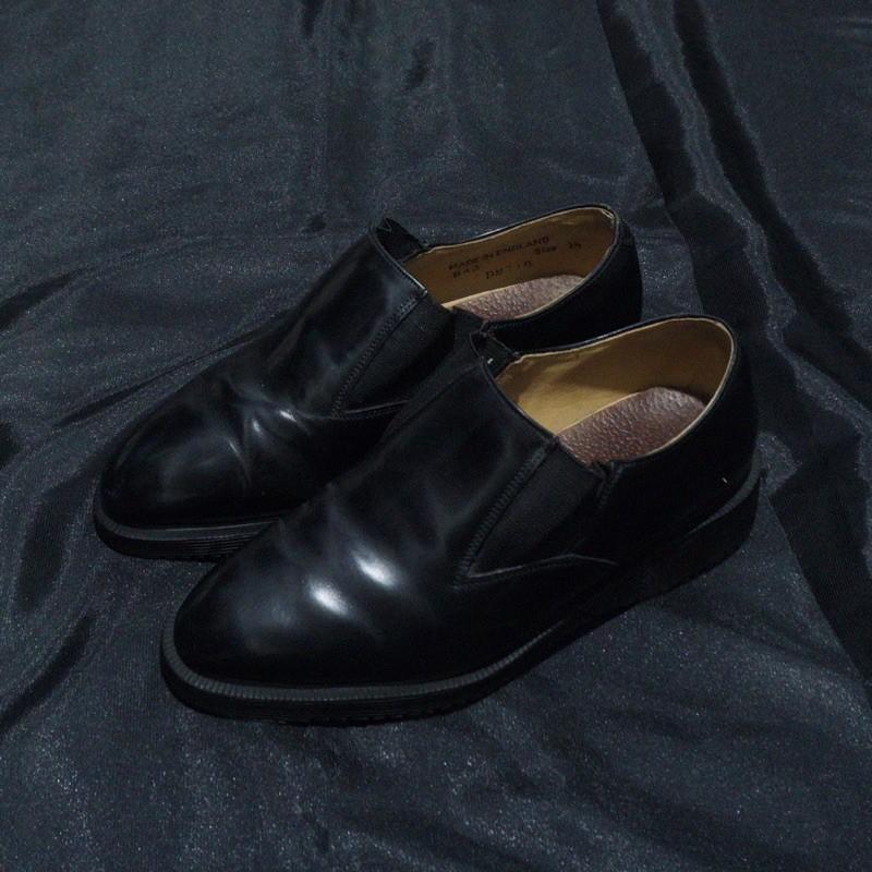 Sepatu boots dr martens made in england women original bekas