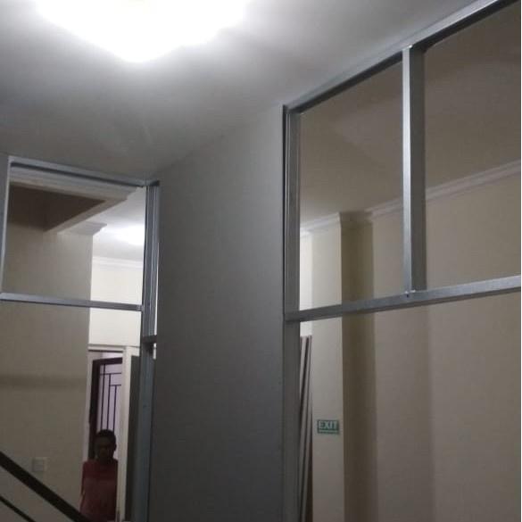 Partisi Dinding Gypsum / Partisi Ruangan Kantor Full Plafon Gypsum