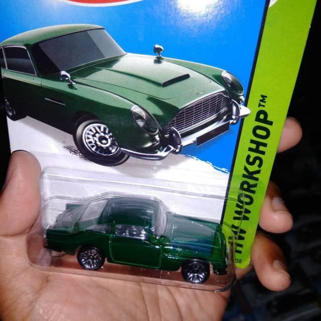 Aston Martin Db5 63 Green Rare Classic Car Mattel Hw Hot Wheels James Bond 007 Mobil Klasik Diecast Shopee Indonesia