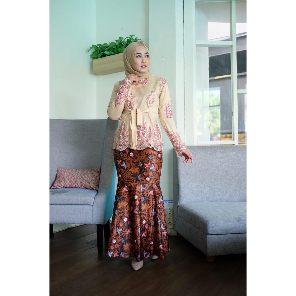 New Ribbon Gold Plumary Baju Kebaya Modern Cocok Untuk Kebaya Daily Lebaran Wisuda