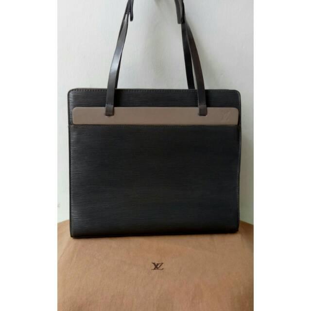 Jual Tas Balenciaga Original Bag Second Preloved Bekas Authentic Fashion  Wanita Branded Import  30bc78d488